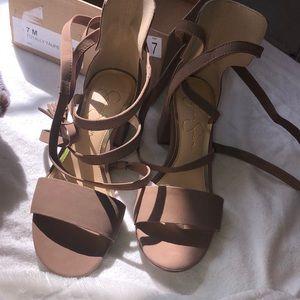 brand new jessica simpson block heel